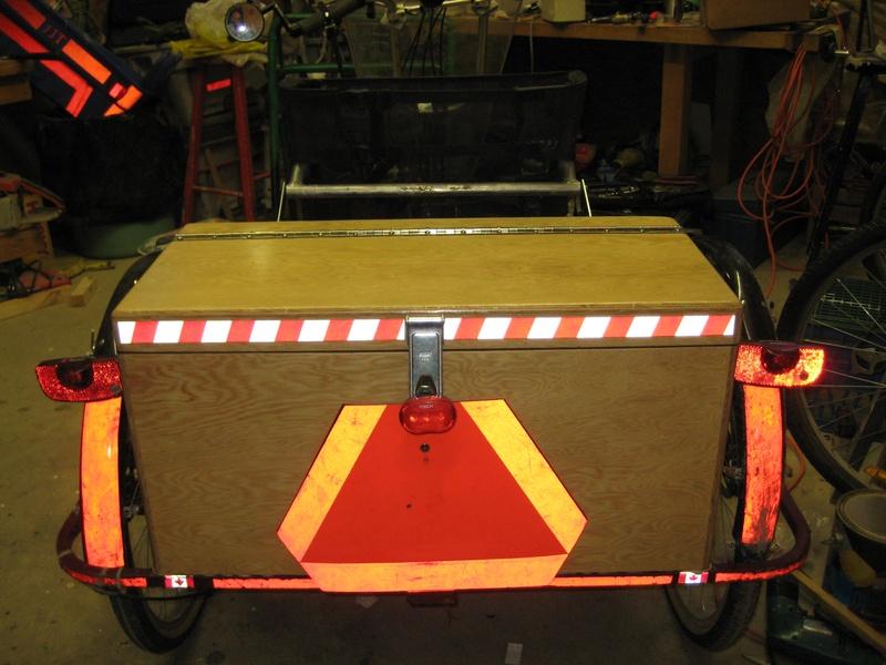 Plywood cargo box